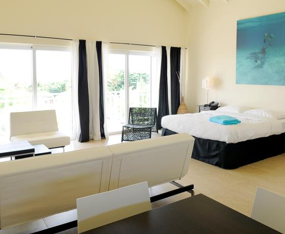 dolphin suites curacao kamers