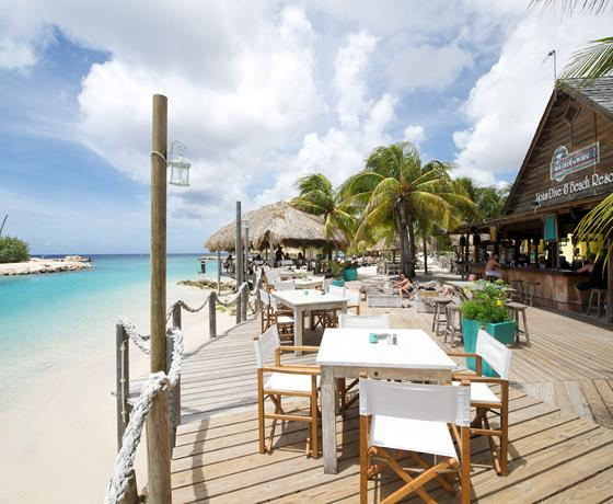 lions dive and beach resort restaurant